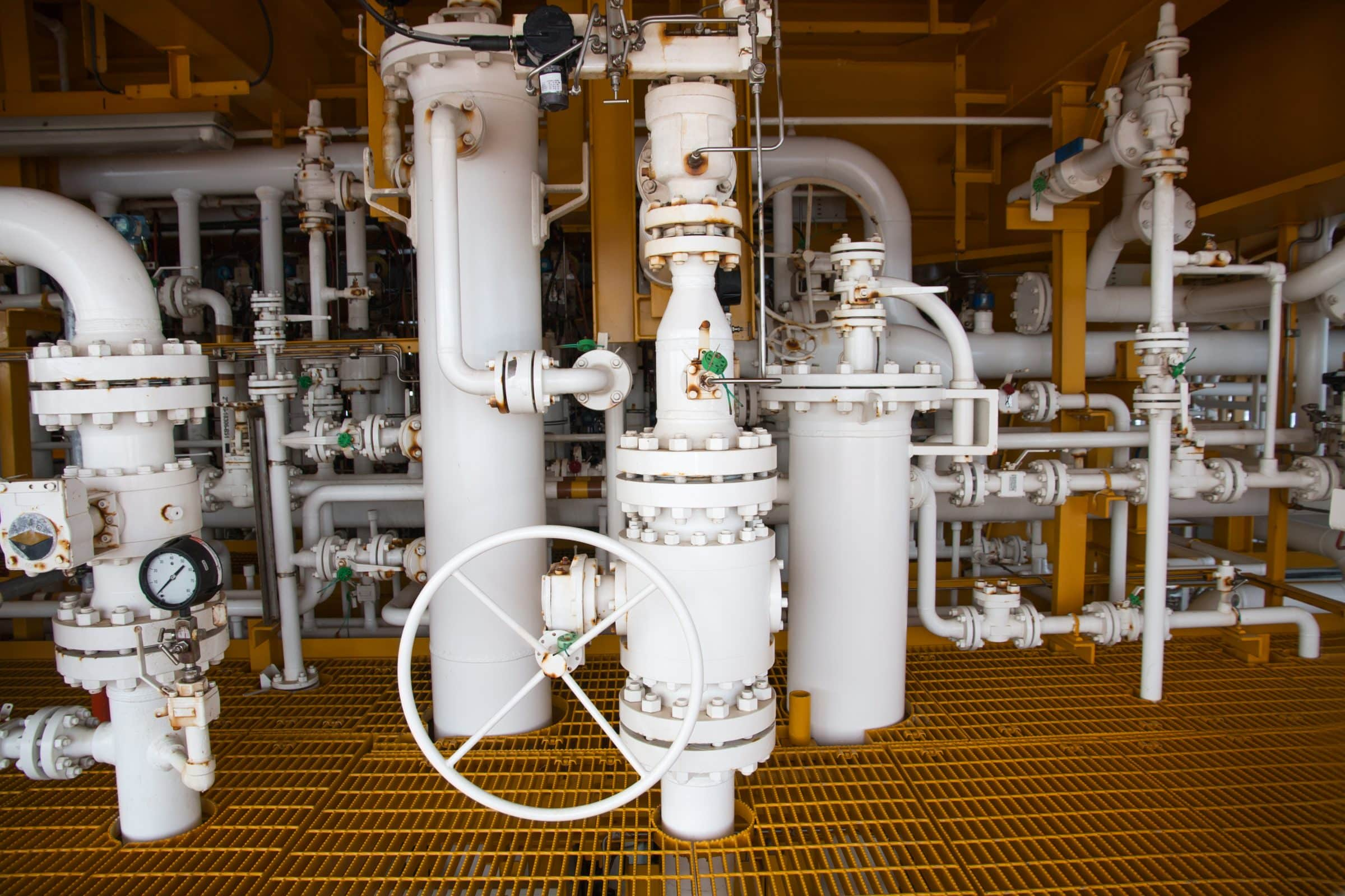 DBB - Safe solution couse valve meet the face-to-face requirements of ASME B16.10.